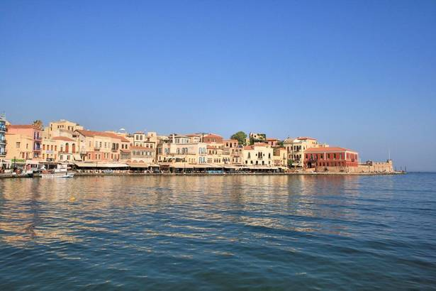 Chania_-_Venetian_harbor_1